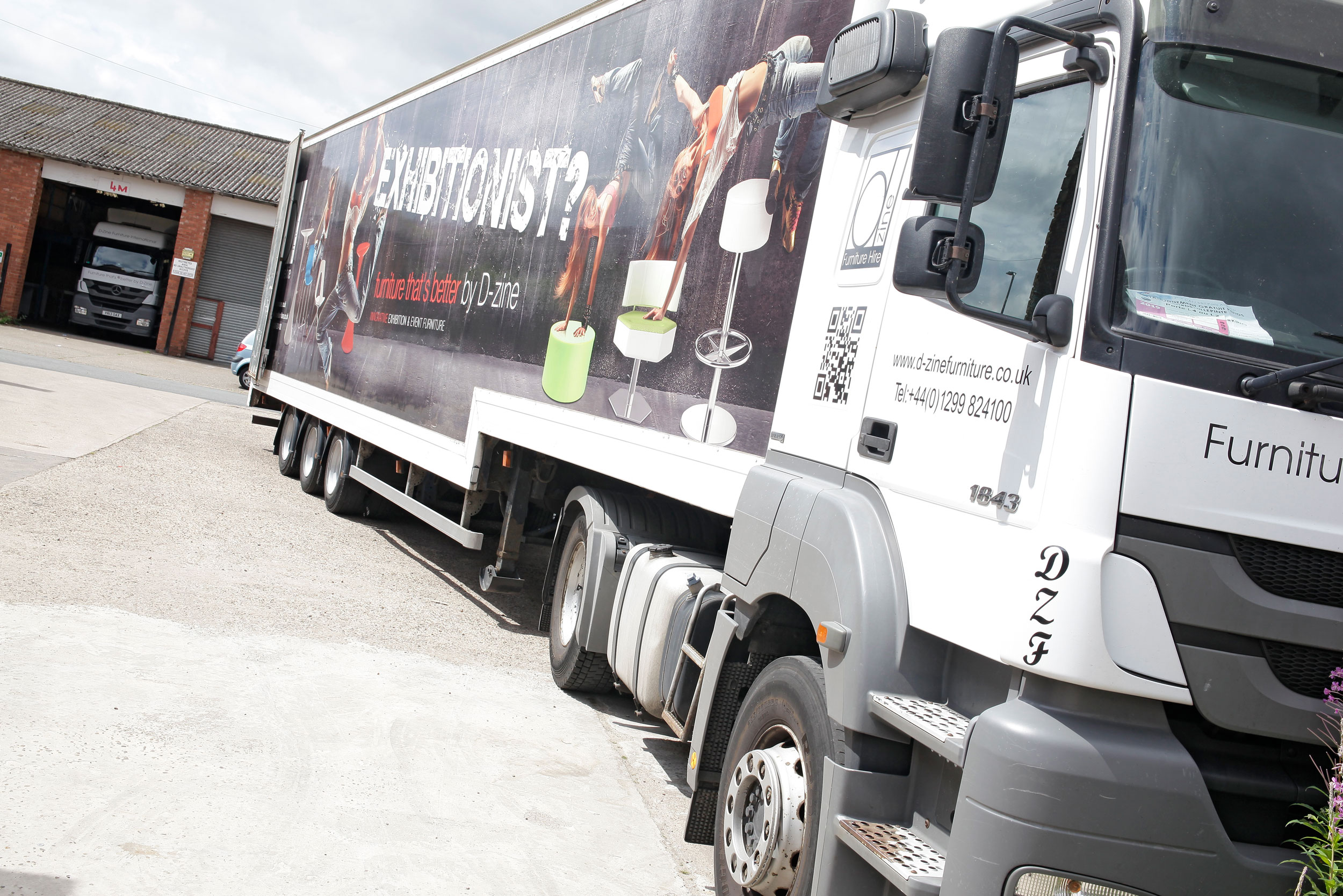 Dedicated team and fleet with unrivalled 24/7 customer support